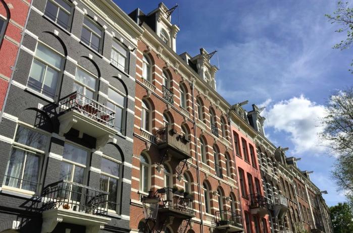 zonnige terrassen in amsterdam
