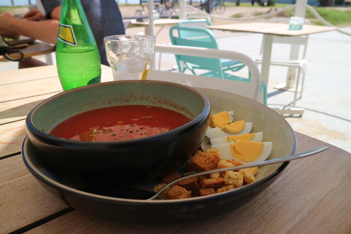Eten aan het strand