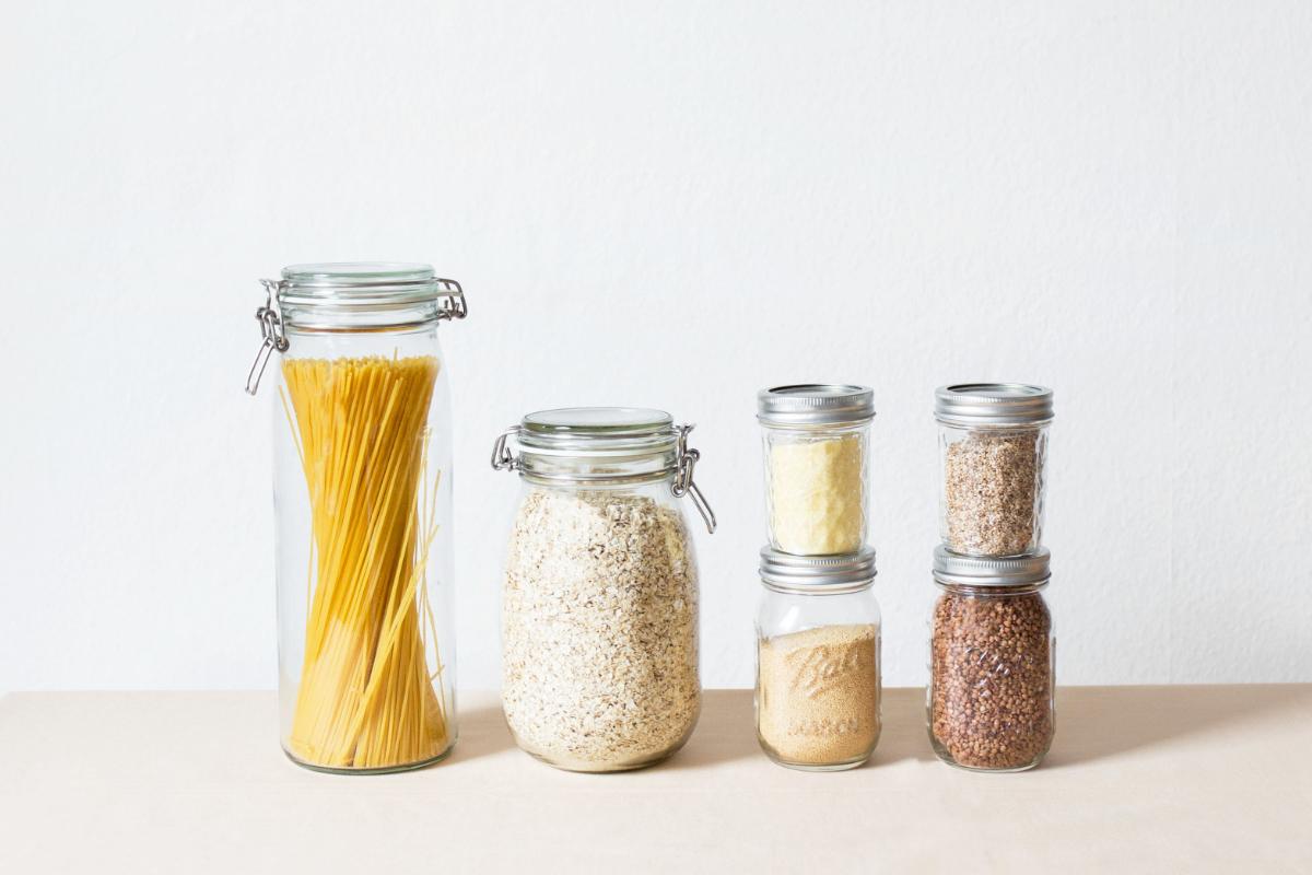 plasticvrije keuken met weckpotten