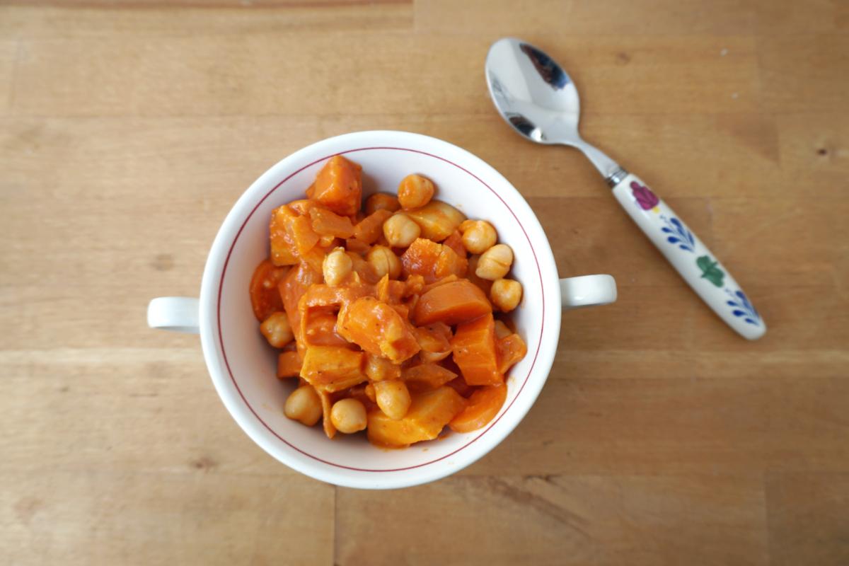 Vegan curry met pastinaak en kikkererwten